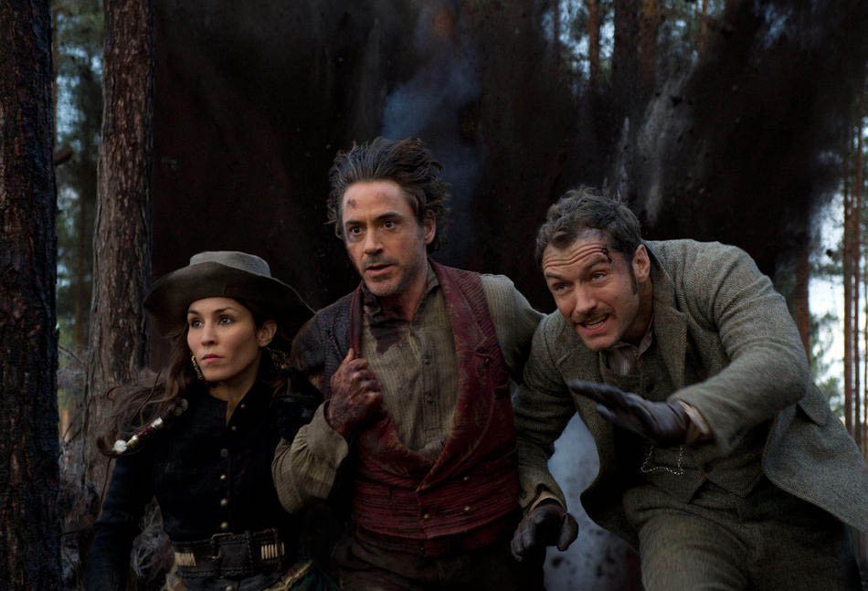Foto Noomi Rapace, Robert Downey Jr. y Jude Law en SHERLOCK HOLMES 2