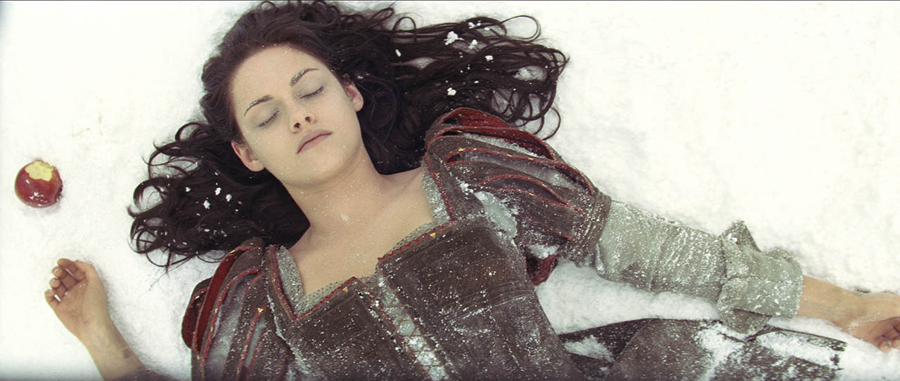 Kristen Stewart como Blancanieves en BLANCANIEVES Y LA LEYENDA DEL CAZADOR