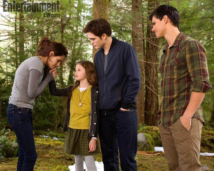 Fotos AMANECER PARTE 2 : Bella, Edward, Renesmee y Jacob