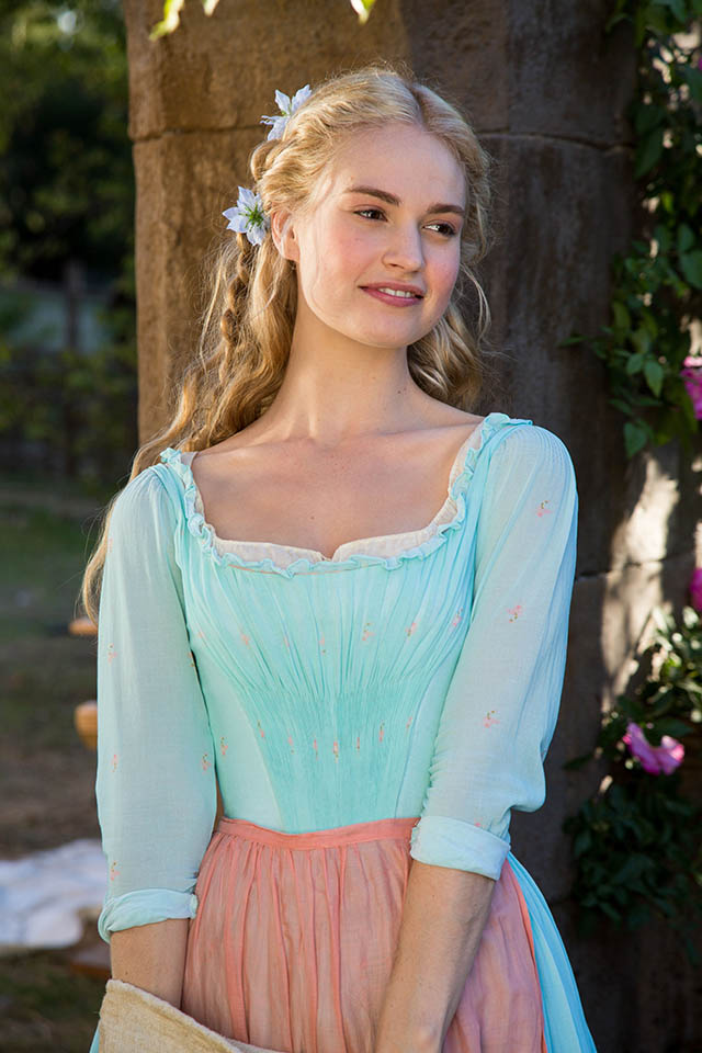 Foto Lily James en Cenicienta 18